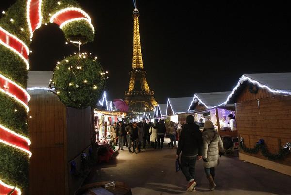 Những khu chợ Giáng sinh lung linh nhất thế giới 13
