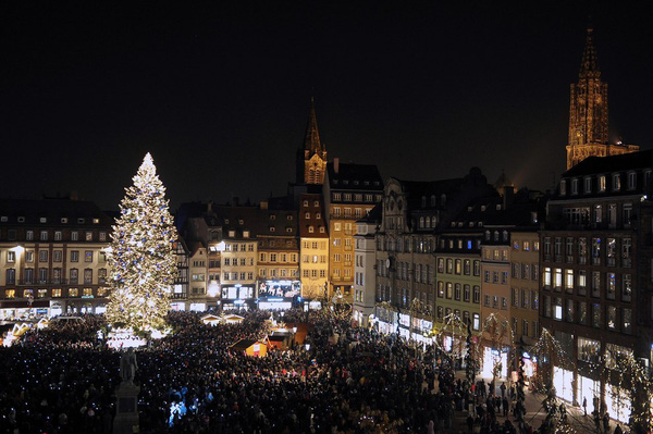 Những khu chợ Giáng sinh lung linh nhất thế giới 17
