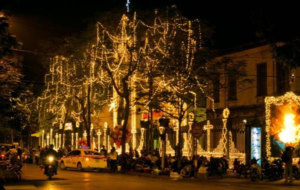 Những địa điểm chụp ảnh và chơi Giáng sinh tuyệt đẹp ở 2 miền 3