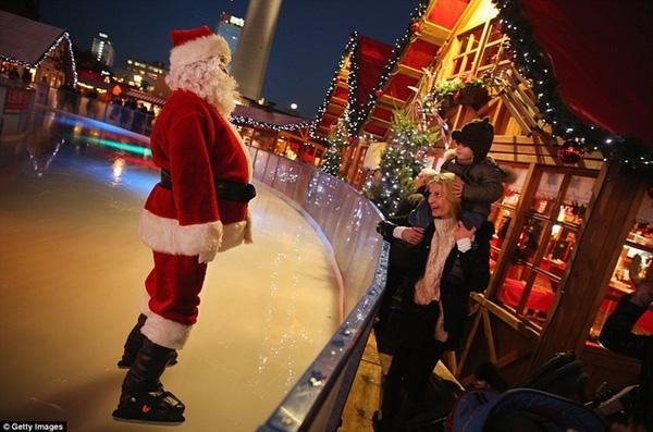 Sôi nổi các khu chợ Giáng sinh sớm ở Đức 10