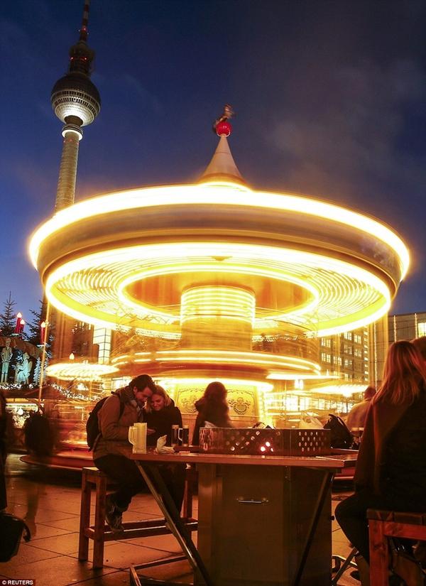 Sôi nổi các khu chợ Giáng sinh sớm ở Đức 12