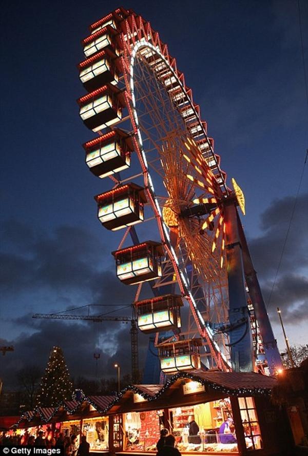 Sôi nổi các khu chợ Giáng sinh sớm ở Đức 7