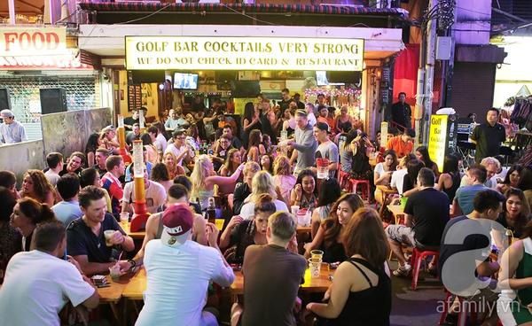 Kết quả hình ảnh cho phố bar Khaosan