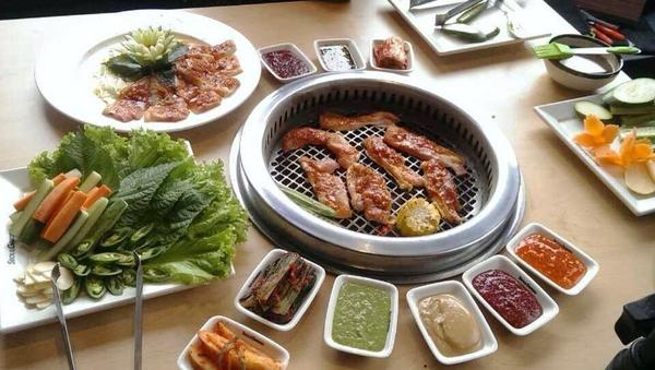 8 địa chỉ buffet ngon ở Hà Nội cho tiệc tất niên cuối năm 3