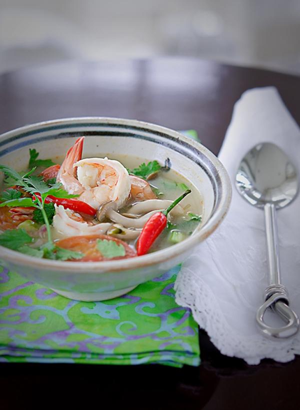 Xuýt xoa với món canh Tom Yum Goong nóng hổi thơm phức 21