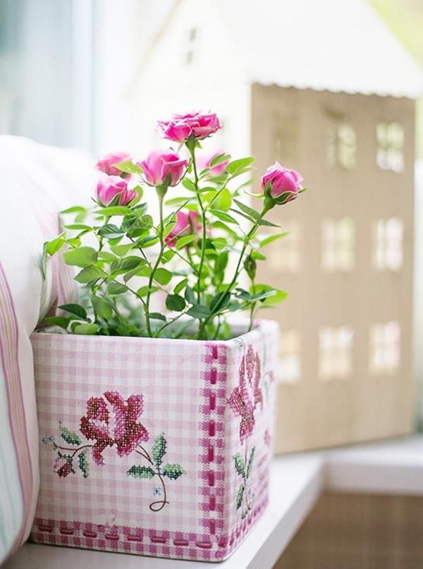 Làm mới chậu hoa siêu xinh trang trí nhà mình 13