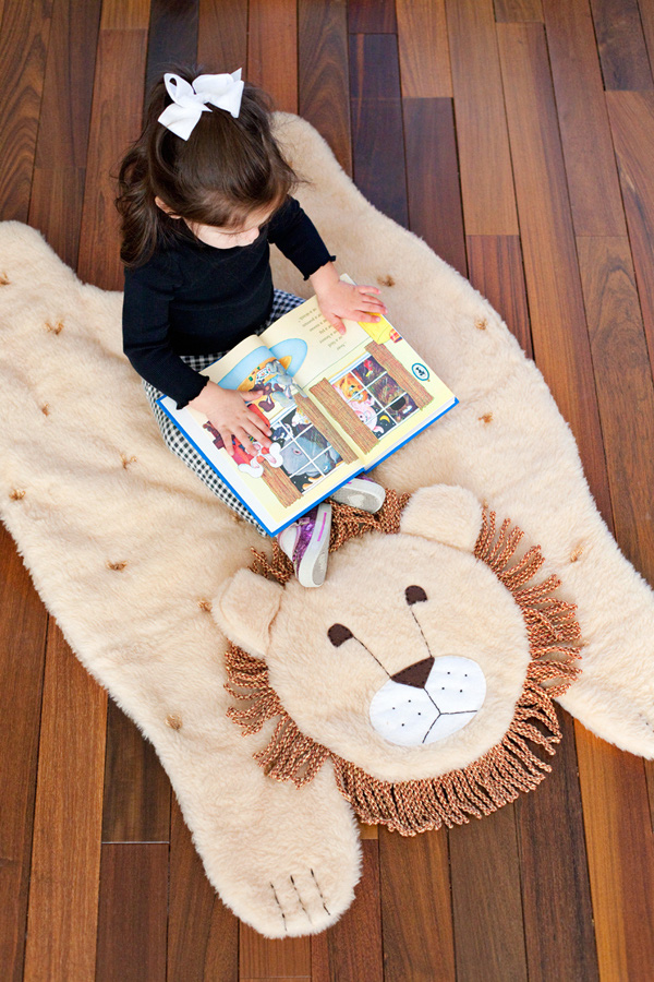 Mẹ may thảm sư tử đáng yêu cho bé vui đùa 17