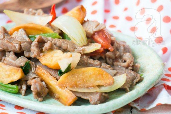 Thịt bò xào khoai tây ngon lạ cho bữa tối 1