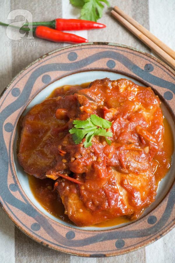 Bữa tối làm nhanh ăn ngon với sườn cốt lết xốt cà chua 18