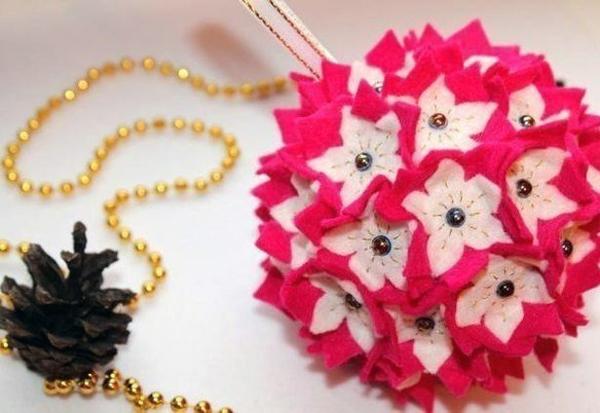 Tự chế quả cầu hoa xinh lung linh đón năm mới 1