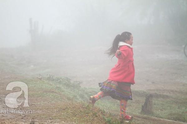 Phụ nữ, trẻ em trong khuôn hình thú vị mùa xuân Mộc Châu 2
