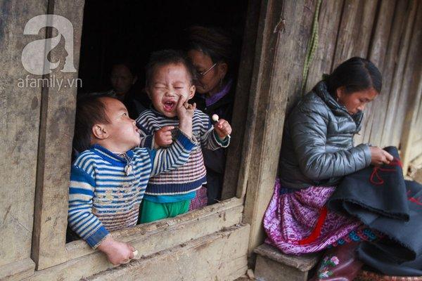 Phụ nữ, trẻ em trong khuôn hình thú vị mùa xuân Mộc Châu 7