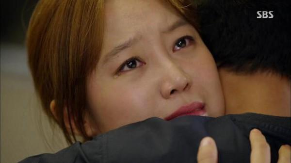 Gong Hyo Jin sụp đổ khi biết Jo In Sung bị bệnh 4
