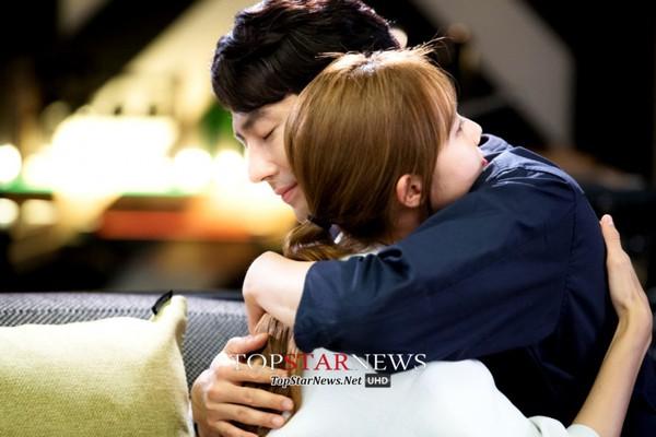 Gong Hyo Jin sụp đổ khi biết Jo In Sung bị bệnh 3