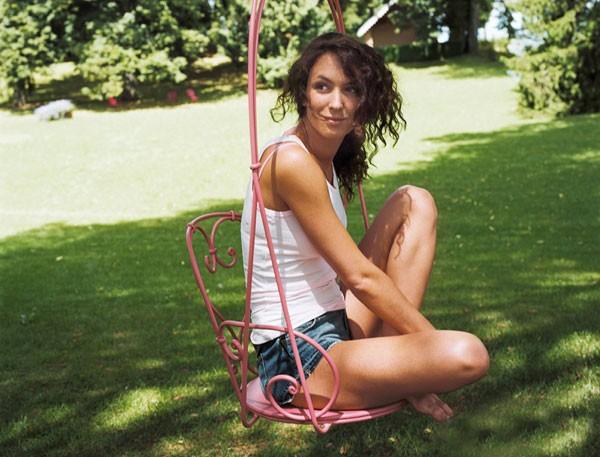 Những mẫu ghế hoàn hảo cho sân vườn nhà bạn 7