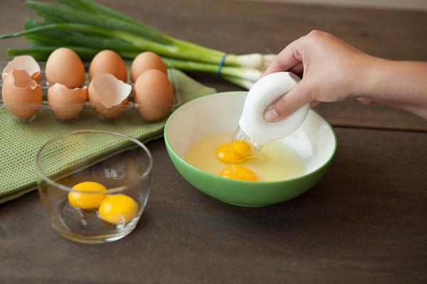 """Những dụng cụ làm bếp giúp bạn """"xử lý"""" trứng dễ dàng hơn 11"""
