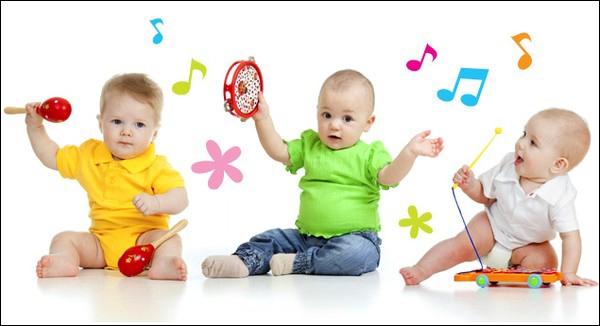 Bài tập vận động cho bé 4-6 tháng tuổi
