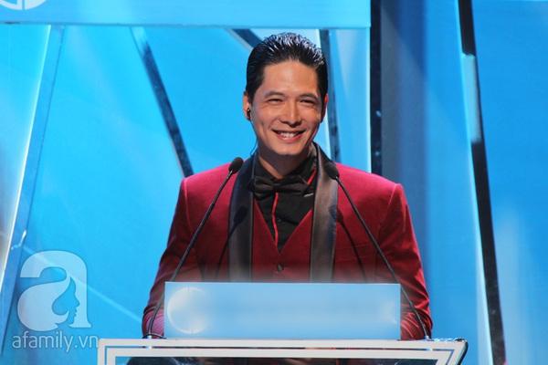 Hoài Linh đoạt cú đúp tại HTV Awards 2013 3
