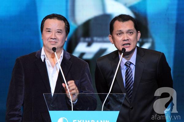Hoài Linh đoạt cú đúp tại HTV Awards 2013 12