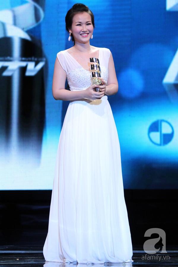 Hoài Linh đoạt cú đúp tại HTV Awards 2013 20