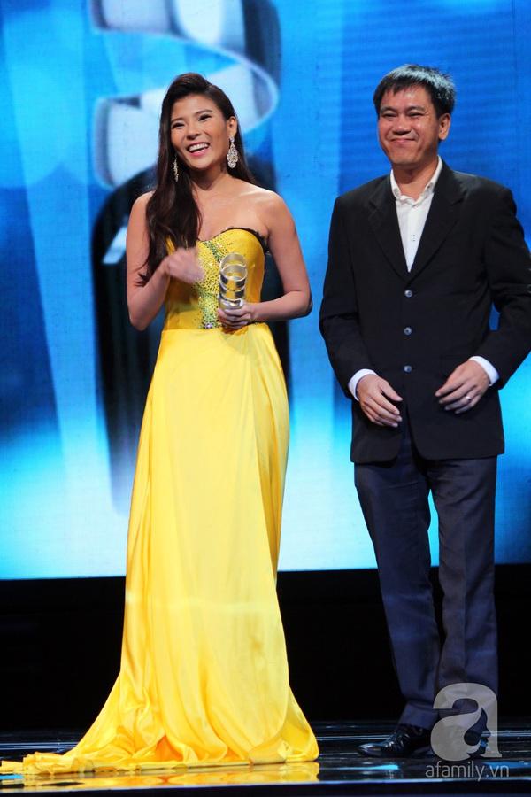 Hoài Linh đoạt cú đúp tại HTV Awards 2013 21