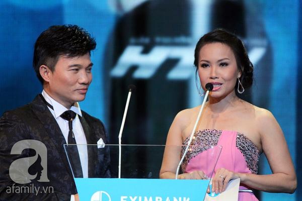 Hoài Linh đoạt cú đúp tại HTV Awards 2013 23