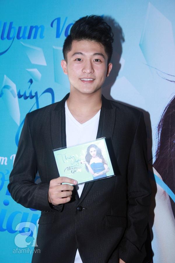 Hương Giang Idol nữ tính bên bố mẹ ruột 7