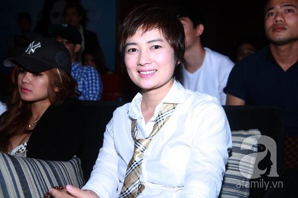 Hương Giang Idol nữ tính bên bố mẹ ruột 10