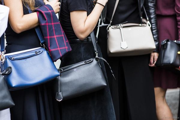 Chỉ dẫn từ A-Z giúp bạn giữ được túi xách bền lâu  5