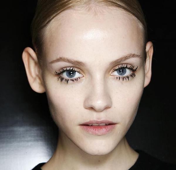 10 mẹo cơ bản giúp bạn sử dụng mascara dễ dàng, hiệu quả hơn 4