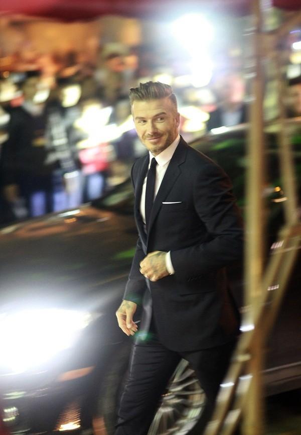 """Những bộ cánh thời trang """"đốn tim"""" phái đẹp của David Beckham  1"""