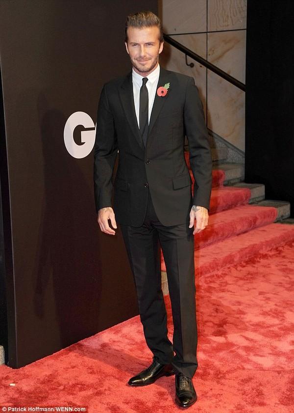 """Những bộ cánh thời trang """"đốn tim"""" phái đẹp của David Beckham  9"""