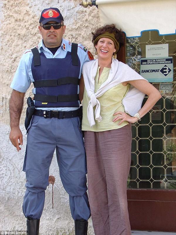 Người phụ nữ 55 tuổi đi 22 nước, hẹn hò 75 người đàn ông 3