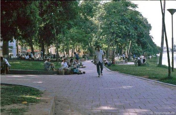 Những bức ảnh hiếm hoi về Hà Nội cuối thời kỳ bao cấp 19