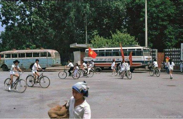Những bức ảnh hiếm hoi về Hà Nội cuối thời kỳ bao cấp 30