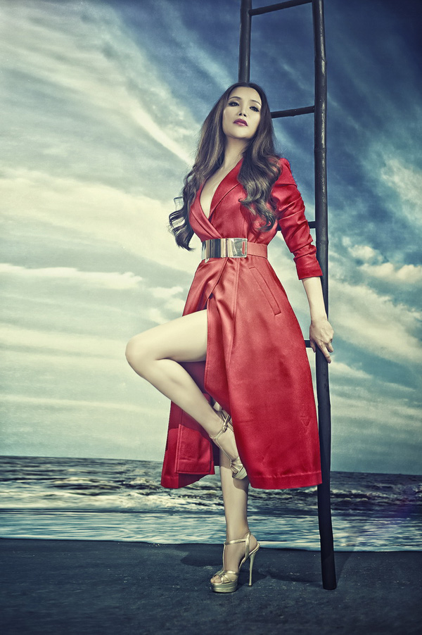 Hồ Quỳnh Hương xinh và hiện đại hơn với phong cách mới 7