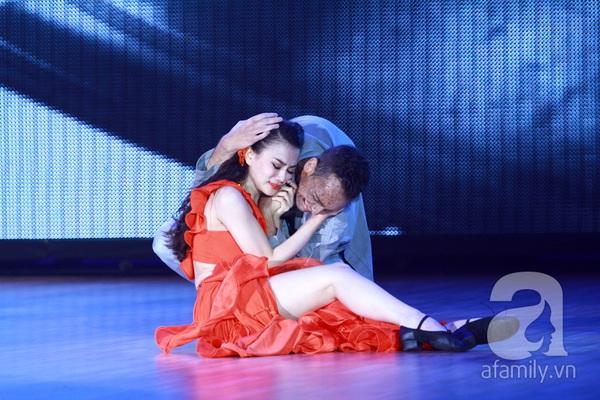 Bước nhảy hoàn vũ ngập trong nước mắt 18