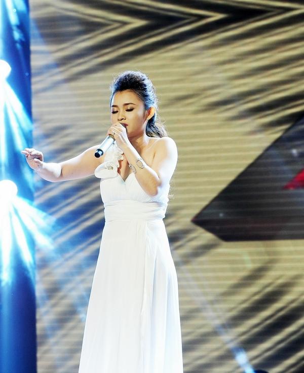 Cô bé Hạnh Phúc khiến giám khảo X-Factor... đẻ trứng! 8