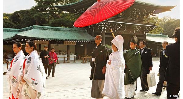 Phụ nữ Nhật không muốn kết hôn vì đàn ông lười làm việc nhà