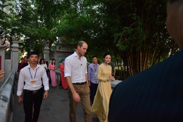 Hoàng tử Anh William lần đầu đến Việt Nam và hiện đang có mặt ở Phố Cổ Hà Nội