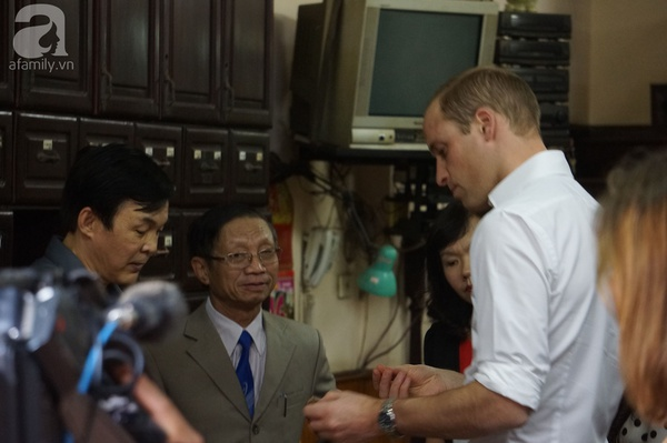 Theo chân hoàng tử Anh trong lần đầu đến Việt Nam!