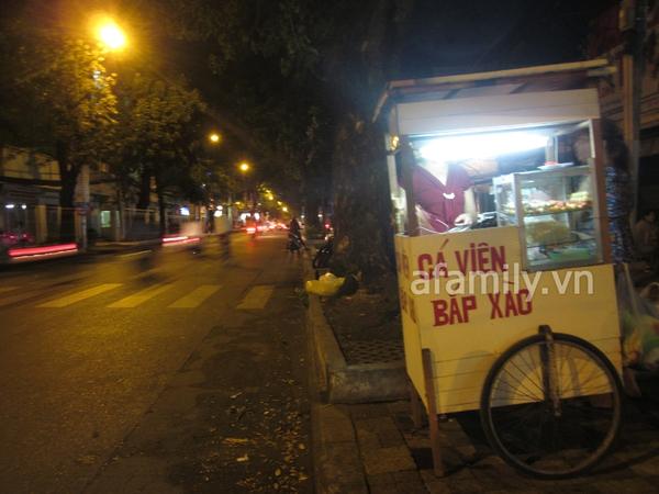 Đêm Sài Gòn, lang thang kem lạnh và cá viên chiên 7
