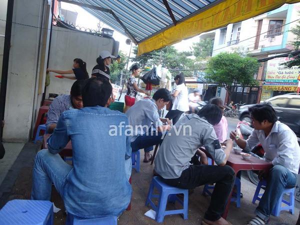 Sài Gòn: Bánh flan khu K300 béo, thơm, ngậy 11