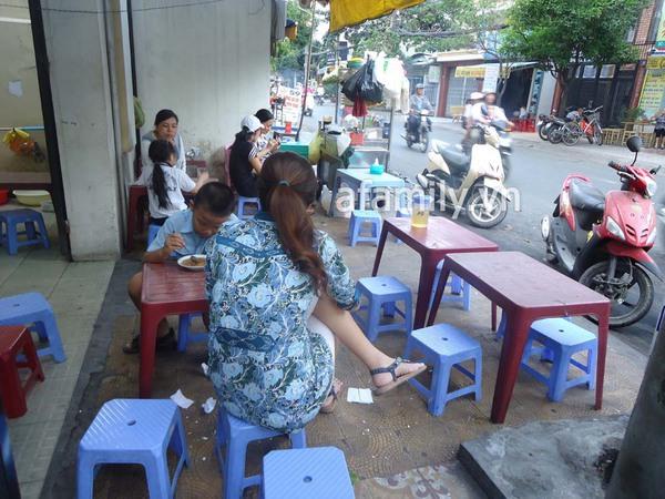 Sài Gòn: Bánh flan khu K300 béo, thơm, ngậy 8