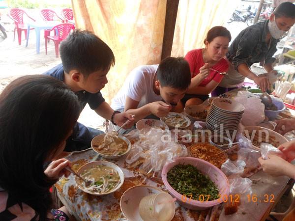 Đà Nẵng: Quá rẻ và ngon bát bánh canh cá nướng 4