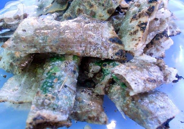 Bánh tráng kẹp - quà vặt đặc trưng của ẩm thực hẻm Đà thành 3