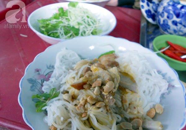 Đà Nẵng: Quá ngon với bún mắm thịt heo quay 2