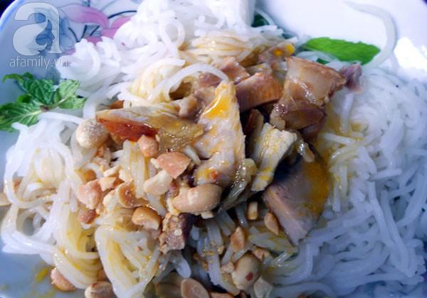 Đà Nẵng: Quá ngon với bún mắm thịt heo quay 5