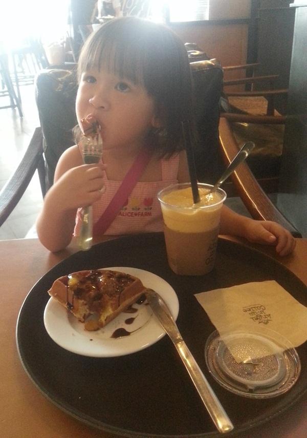 Mẹo chuẩn bị bữa sáng cho bé biếng ăn của mẹ Việt 8