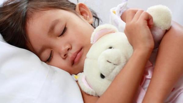 9 thói quen vệ sinh mẹ phải nhớ khi con bị ốm 1